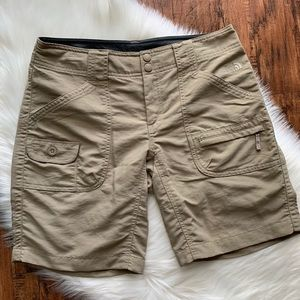 North Face Womens Cargo Outdoor Walk Shorts size 6
